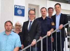 Polizeiinspektion Geretsried, v.links: Wolfgang Werner, Edith Peter, Markus Rinderspacher, Daniel Kießling, Hans Hopfner, Robert Kühn.